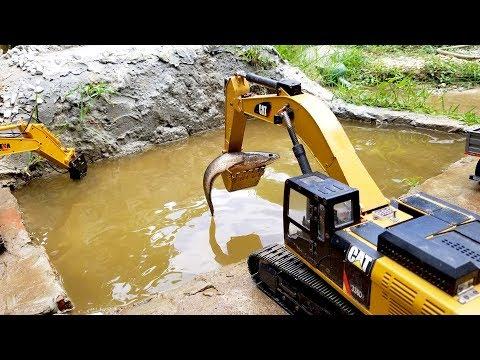 Kids cartoon | Swimming Fish | Excavator working in water