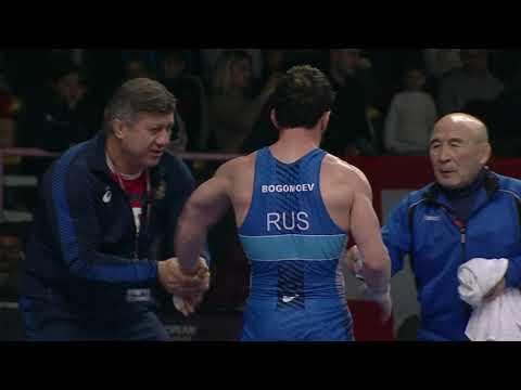 Полуфинал ВБ 61 кг А.Харутюнян (Армения) - А.Богомоев (Россия)