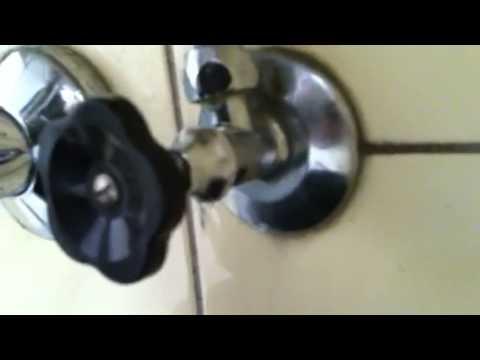 Wasserhahn Defekt - YouTube