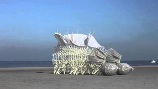 Sculptures that move with the Wind (COOL!)