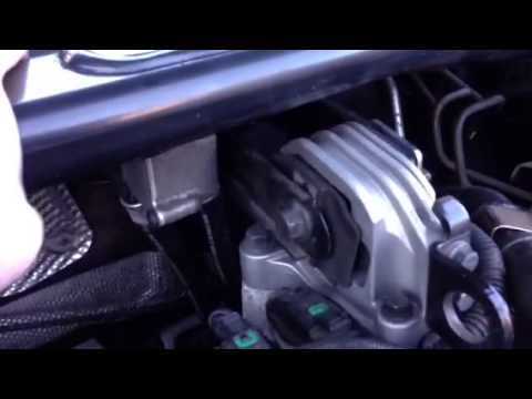 S60 D5 Top Engine Mount - YouTube