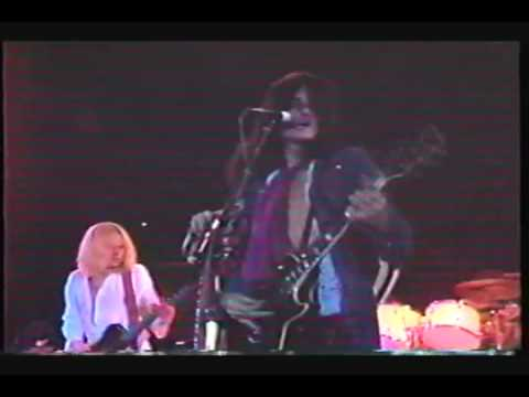 Aerosmith Toys In The Attic Live 1975 Youtube