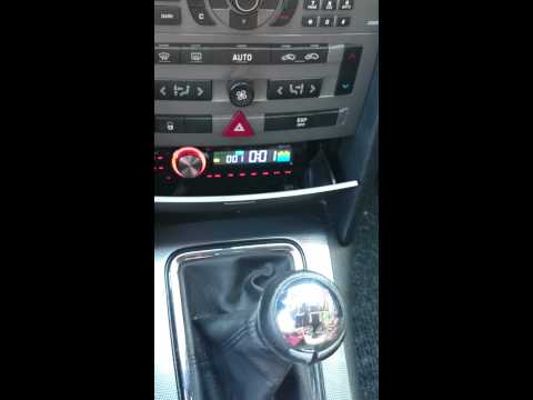 Larry radio con usb junto a rt3 en peugeot 407 youtube for Radio con chiavetta usb