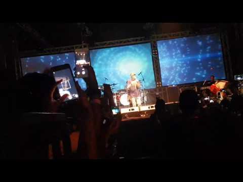 Sheila On 7 Konser ARTEFAC 2017 UNS SOLO Hingga Ujung Waktu (opening) Part 1