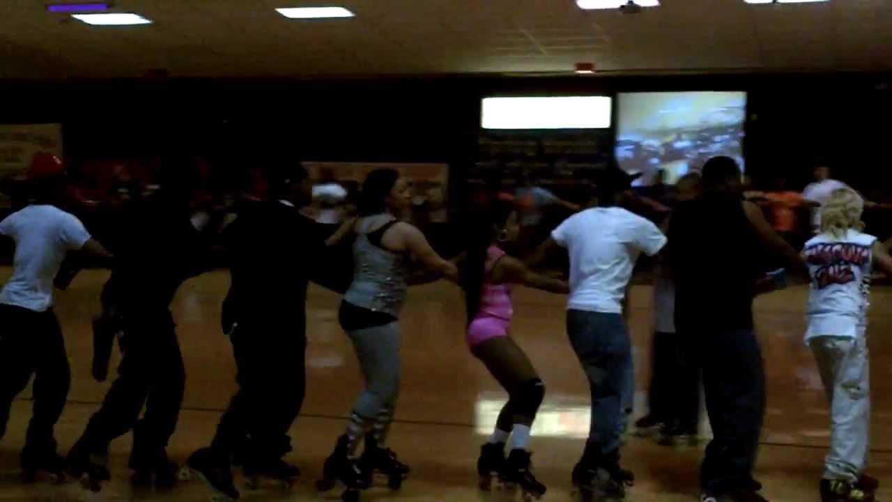 World s longest roller skating train huntsville al carousel skate center 2012 youtube