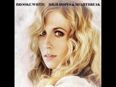 Клип Brooke White - Radio Radio