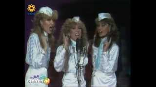 Star Sisters - Andrews Sisters Medley / Stars On 45 Proudly Presents The Star Sisters