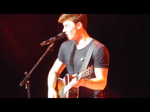 Shawn Mendes in Madrid: Thinking out loud (cover)