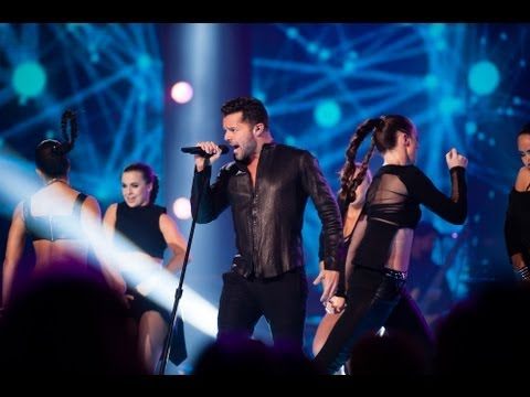 Ricky Martin Performs