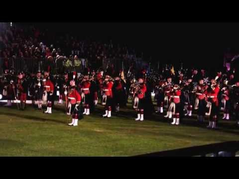 "Highland Military Tattoo 2014 - Massed Bands Playing ""Sands of Kuwait"""