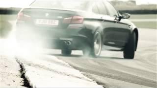 Английская реклама BMW M5 F10M UK(Самые лучшие видео самых новых и крутых автомобилей у нас на канале. А также масса видео-приколов со всего..., 2014-05-05T23:54:20.000Z)