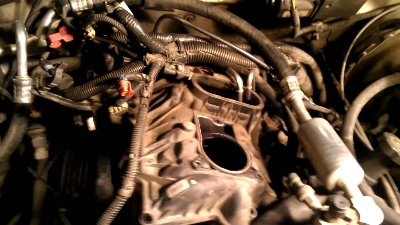 1999 Chevy Tahoe 5 7L fuel pressure regulator - YouTube