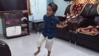 4 years small kid VEDANT home made dance on Shantabai marathi song