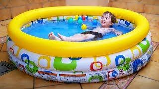 TEMOS UMA PISCINA NO QUINTAL!! Dia de Verão e Calor na Piscina com Maikito e Guerra de Nerf de Agua thumbnail