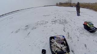 Я так еще не рыбачил зимой! Первая моя рыбалка зимой на судака! Рыбалка в Астрахани зимой.