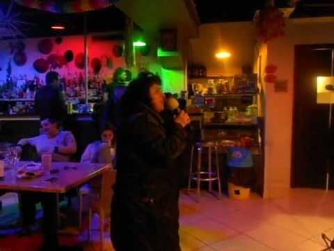 karaoke cascina petra 008 Barbara Sinatra gli occhi miei di wilma goich.