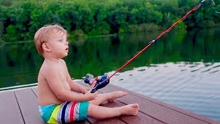 BABY'S FIRST FISHING TRIP! 🎣