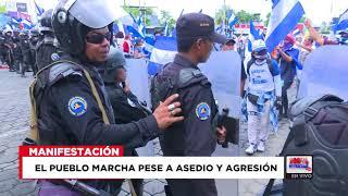 Pueblo pierde miedo y marcha pese a asedio de la policía.