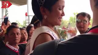 Hoa hậu H'Hen Niê về quê nhà trên xe công nông