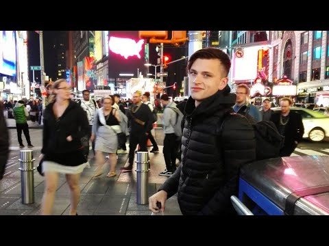 Living Cheap in NYC / Meeting Friends at the Times Square Travel Vlog 2017