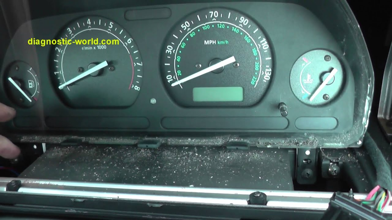 Land Rover Freelander Dash Speedo Cluster Clocks Removal