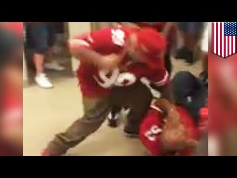 NFL fights: San Francisco 49ers fans fight in bathroom, caught on cellphone