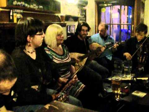 Live flok music in The Fishermans Tavern 1 - Dundee 2012