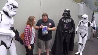 darth vader helps wife tell husband she s pregnant at disney world