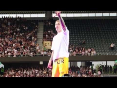 Justin Bieber - The Feeling (live @ Bern, Switzerland)
