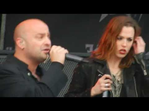 """Device performing """"Close My Eyes Forever"""" feat Lzzy Hale LIVE at Carolina Rebellion 2013"""