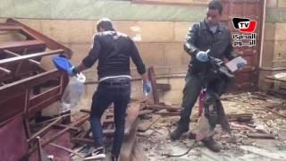 النيابة تعاين آثار انفجار الكنيسة البطرسية بالعباسية