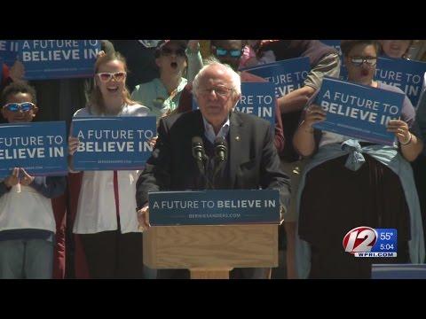 Clinton Swamped in RI by Sanders, Drop in Voters