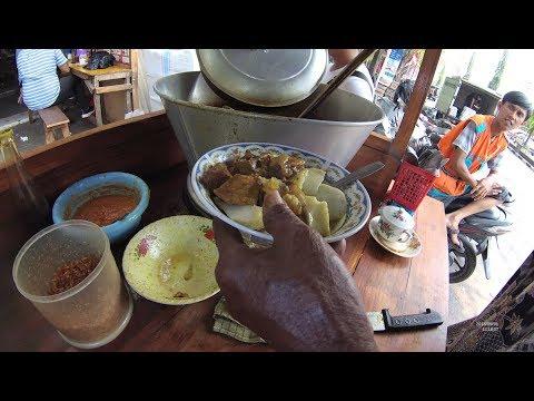 Indonesia Gresik Street Food 3084 Lontong Kikil depan Pasar  YDXJ0513