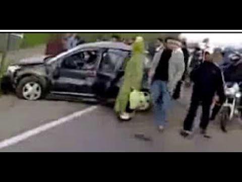 maroc accident mortel l 39 autoroute berchid youtube. Black Bedroom Furniture Sets. Home Design Ideas