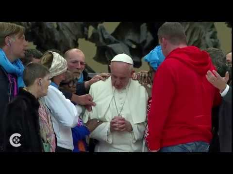 Pope prays with the homeless