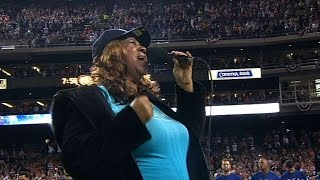 2011 alcs gm3 aretha franklin sings the national anthem
