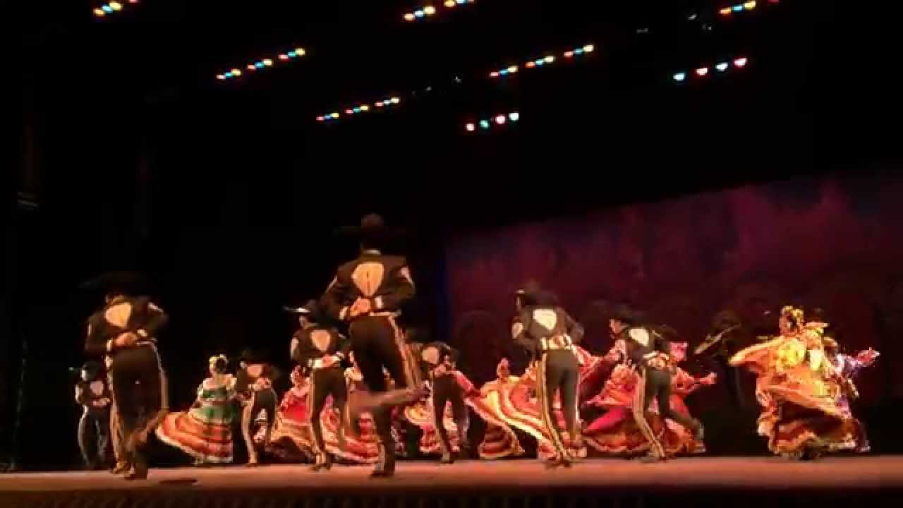Ballet Folkl 243 Rico De La Universidad De Guadalajara En El