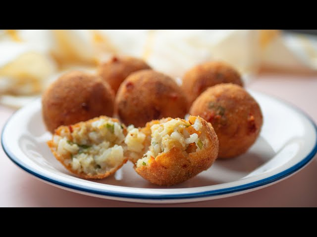 Cheesy Rice Balls Using Leftover Rice (Arancini)