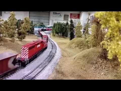 Big Valley 2016 : 200 Car Train Derailment!!