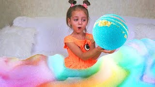ДОМА Настя и мама устроили ПЕННОЕ шоу Водяные БОМБОЧКИ Bomb Art Challenge