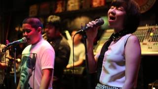 Saxophone Pub - Saving all my love for you - MVI 8851