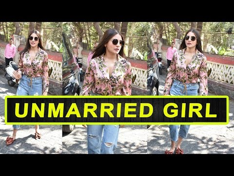 Anushka Sharma Looks Like An UNMARRIED GIRL In Her Floral Top