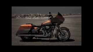 2013 Harley-Davidson FLTRXSE2 Screamn' Eagle Road Glide Custom CVO thumbnail
