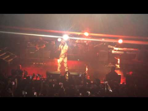 August Alsina - 'Hold You  Down' Live In...