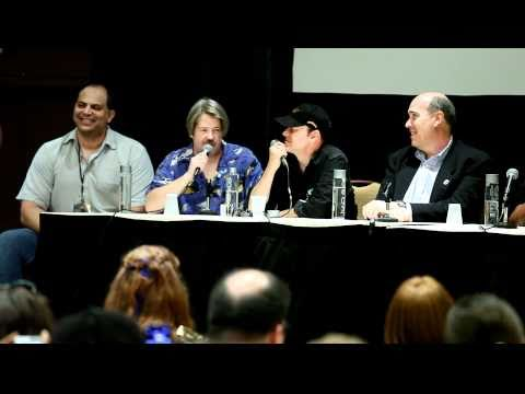 Zorak (C. Martin Croker) interviews Zoidberg (Billy West) (DragonCon 2010)