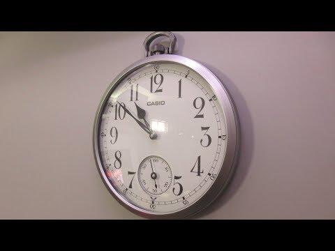 casio-analog-wall-clock