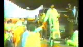 Chamkila & Amarjot Munda Firda Paun Nu Choga.flv