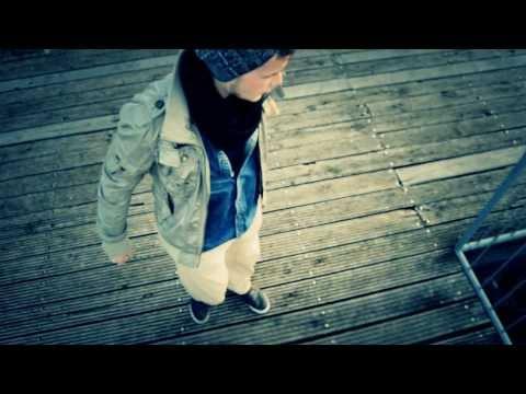 Kontra K - Yolo und So (Free Track) von YouTube · Dauer:  2 Minuten 46 Sekunden
