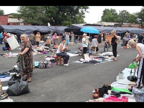Владикавказ: блошиный рынок на автомобильной стоянке