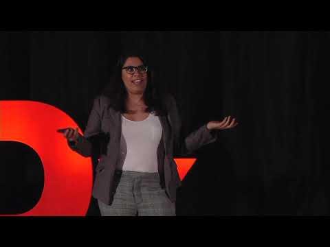Más acciones menos reacciones. | Charlotte Brum | TEDxUniver